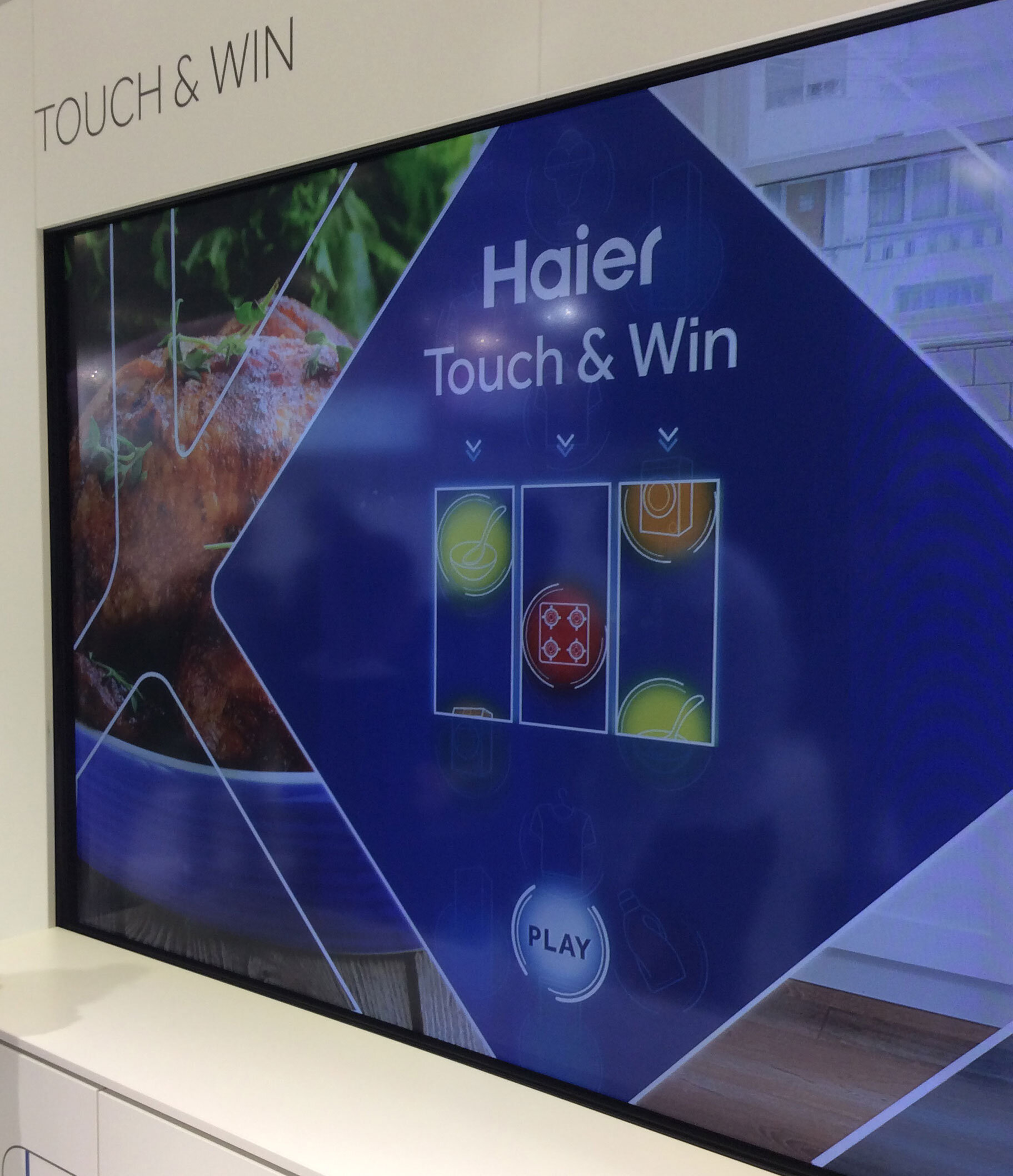 Touch and Win am Stand von Haier